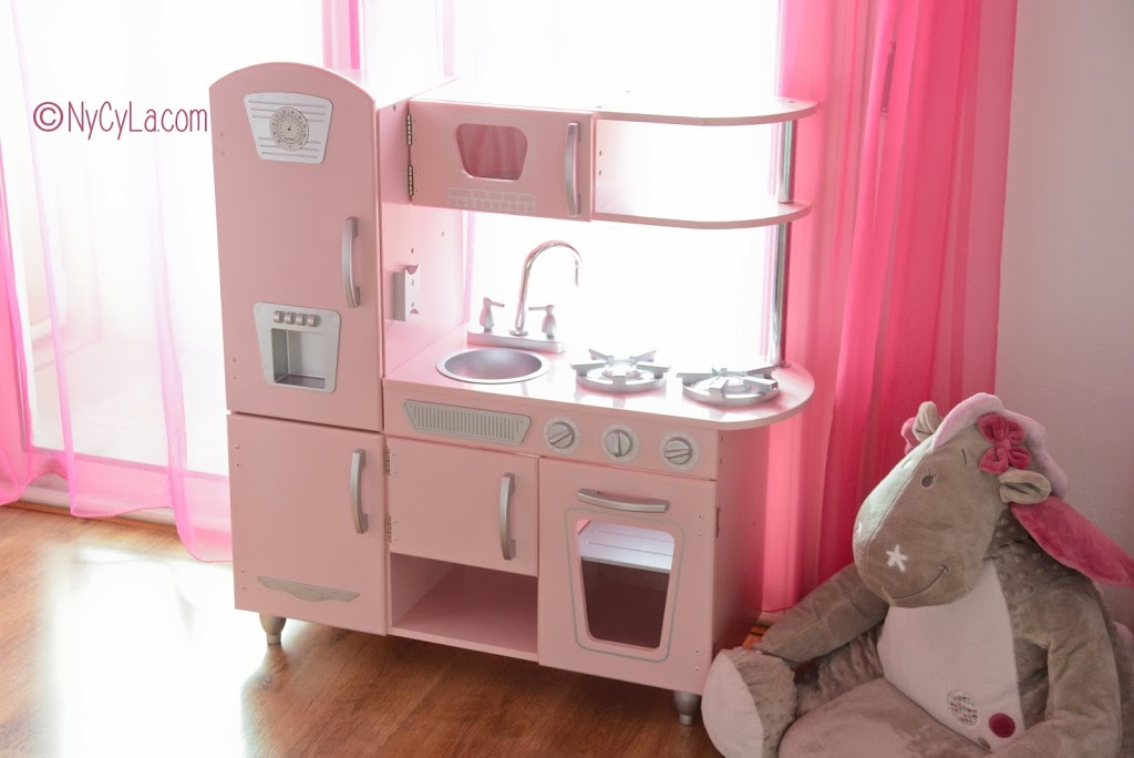Kidkraft pastel island kitchen for Cuisine kidkraft